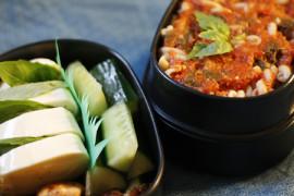 Obentou: Tomaattia, mozzarellaa ja… kanaa?
