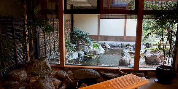 Onsen-hotelli Kyotossa