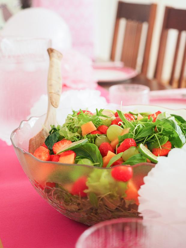 mansikka-lime-salaatti-2